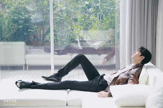 """Lee Min Ho """"đốn tim"""" người hâm mộ với vẻ ngoài """"cực phẩm"""" - 6"""