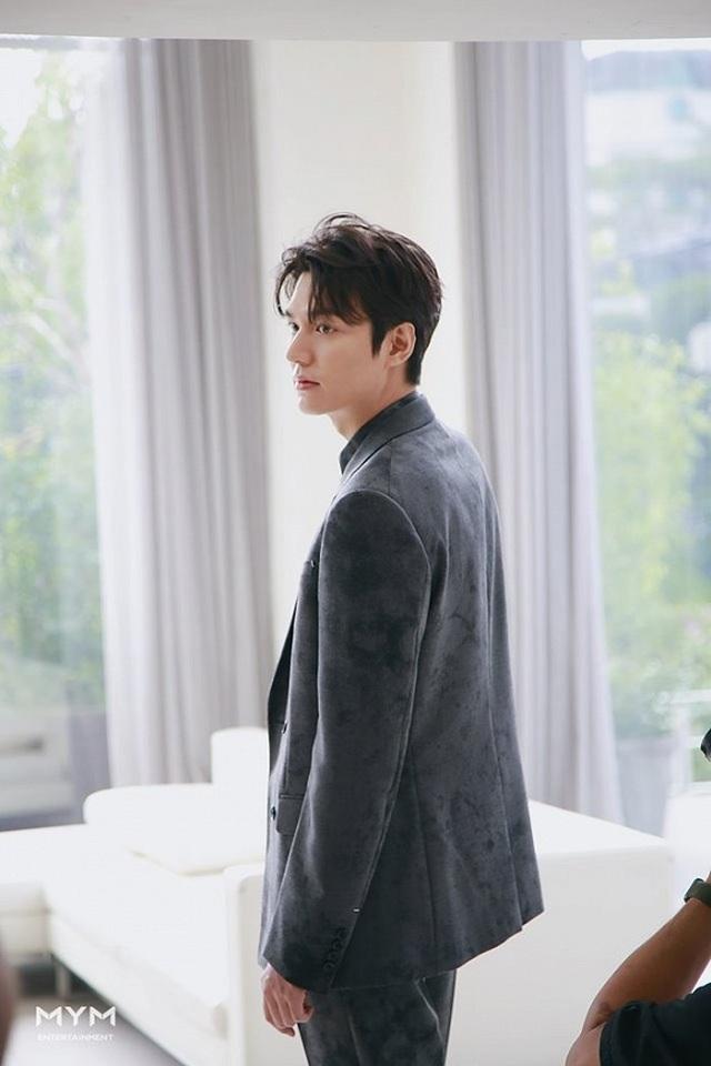 """Lee Min Ho """"đốn tim"""" người hâm mộ với vẻ ngoài """"cực phẩm"""" - 7"""