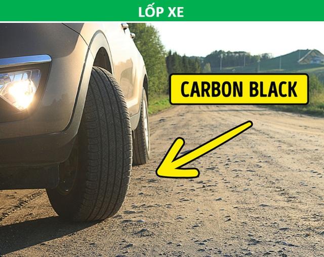 Vì sao vạch qua đường màu trắng còn lốp xe lại luôn có màu đen? - 2