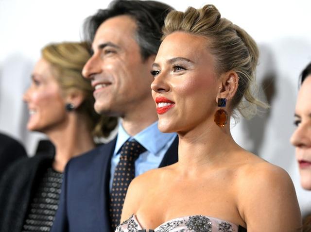 Scarlett Johansson liên tục khoe hình xăm khủng - 8