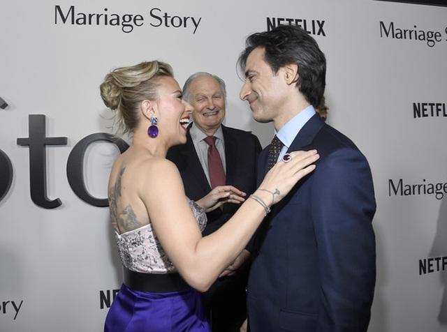 Scarlett Johansson liên tục khoe hình xăm khủng - 6