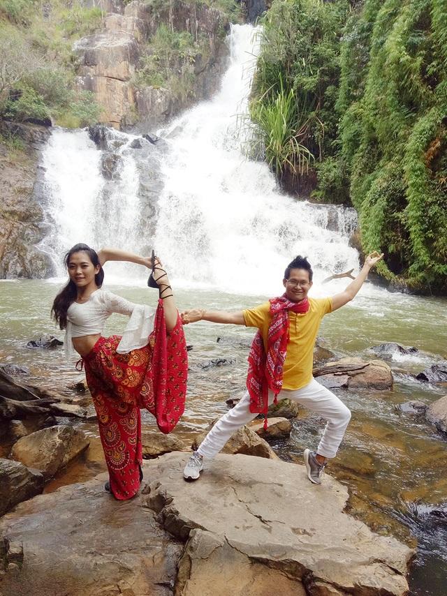 12-kim-bava-ngoc-anh-yoga-doi-nghe-thuat-tai-thac-dalanta-da-lat-1573089560810.jpg