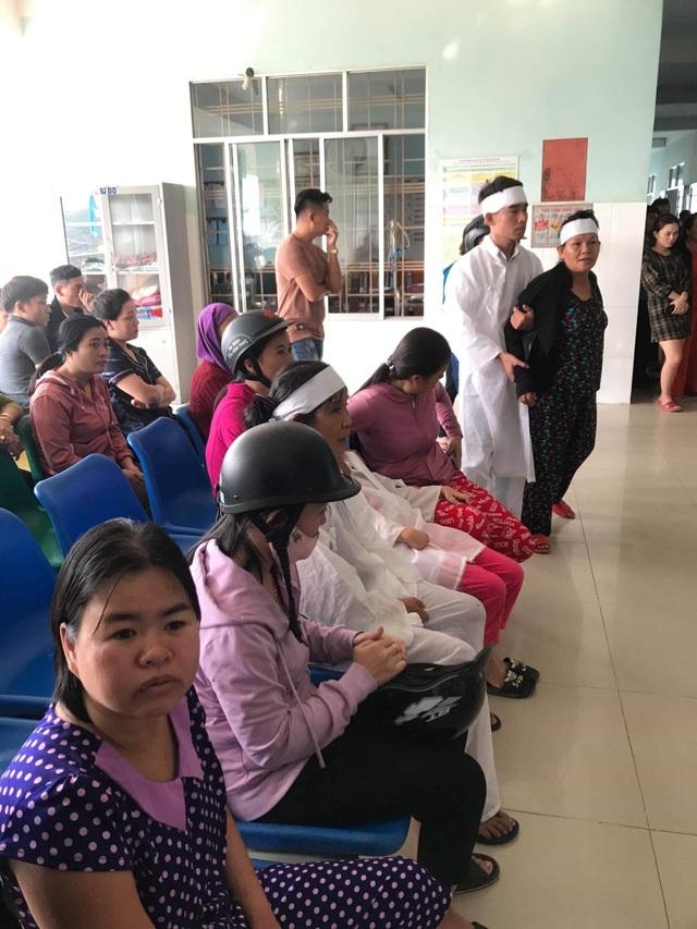 Quảng Nam: Thanh niên sốt cao và đột tử, người nhà mang đồ tang kéo vào bệnh viện