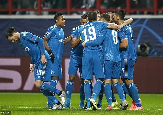 Thắng nghẹt thở phút 93, Juventus giành vé đi tiếp - 2