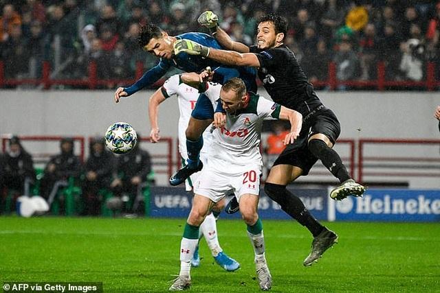 Thắng nghẹt thở phút 93, Juventus giành vé đi tiếp - 6