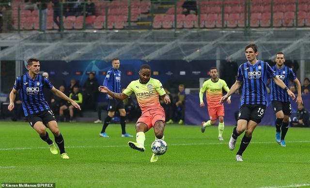 Atalanta 1-1 Man City: Jesus đá hỏng phạt đền, Bravo nhận thẻ đỏ - 4