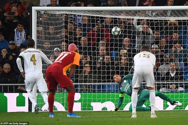 Đại thắng Galatasaray 6-0, Real Madrid cầm chắc tấm vé đi tiếp - 5