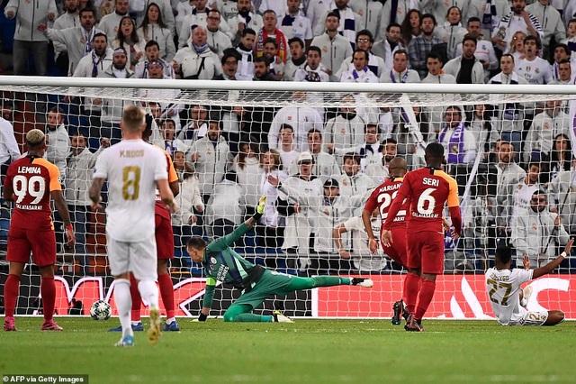 Đại thắng Galatasaray 6-0, Real Madrid cầm chắc tấm vé đi tiếp - 4