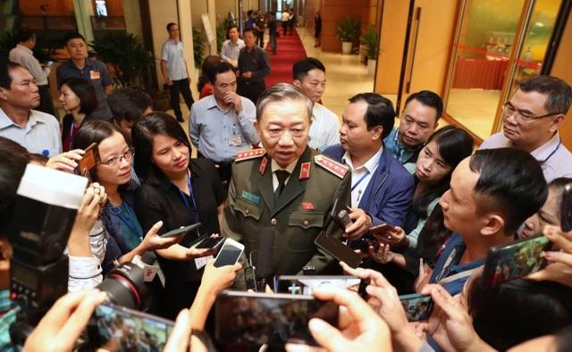 Bộ trưởng Tô Lâm:Có cách biệt pháp luật khi xác minh danh tính 39 nạn nhân trong container - 1