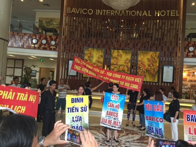 Đang hầu tòa vì chứa mại dâm, chủ KS Bavico lại bị khởi tố - 3