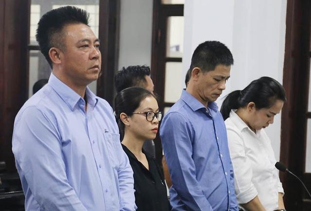 Đang hầu tòa vì chứa mại dâm, chủ KS Bavico lại bị khởi tố - 4