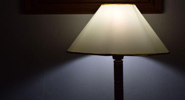 Khoa học đã xác định được mối liên hệ giữa đèn ngủ và những căn bệnh chết người - 1