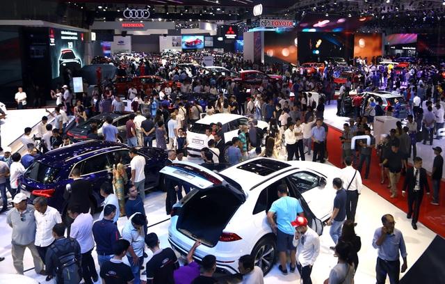 Thị trường ôtô ế ẩm, các ông lớn đua nhau giảm giá cả trăm triệu đồng - 3