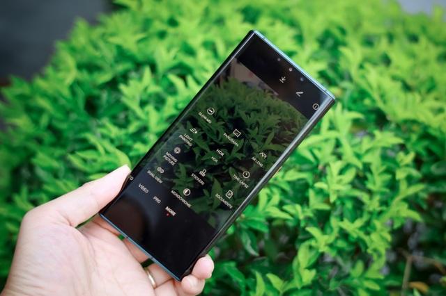 Huawei Mate 30 Pro – smartphone mang hơi thở tương lai chính thức mở bán tại Việt Nam - 2