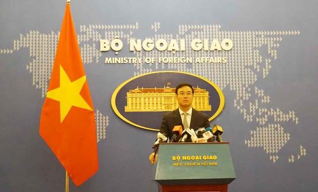 Họp báo Bộ Ngoại giao nóng vụ 39 người chết trong container - 1