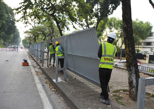 Hà Nội: Rào cứng nửa đường Kim Mã, giao thông căng thẳng - 4