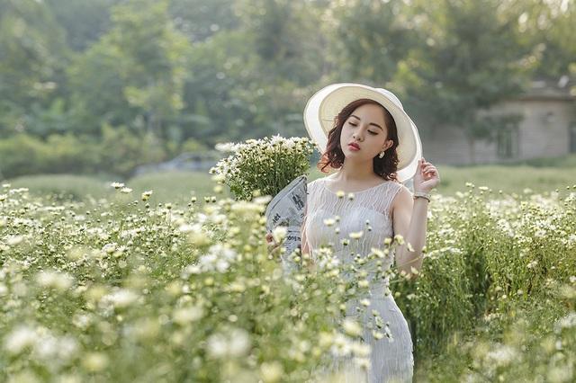 Nữ sinh Quảng Ninh khoe vóc dáng chuẩn với chiều cao tựa người mẫu - 3  Nữ sinh Quảng Ninh khoe vóc dáng chuẩn với chiều cao tựa người mẫu 12 i 9505 1573224188184