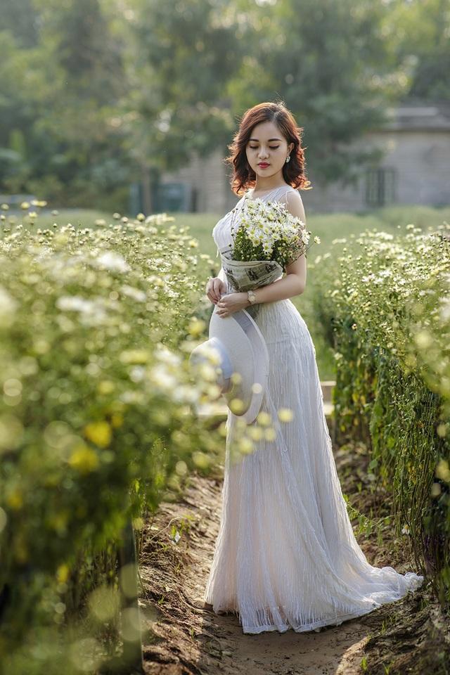 Nữ sinh Quảng Ninh khoe vóc dáng chuẩn với chiều cao tựa người mẫu - 1  Nữ sinh Quảng Ninh khoe vóc dáng chuẩn với chiều cao tựa người mẫu 12 i 9604 1573224188639
