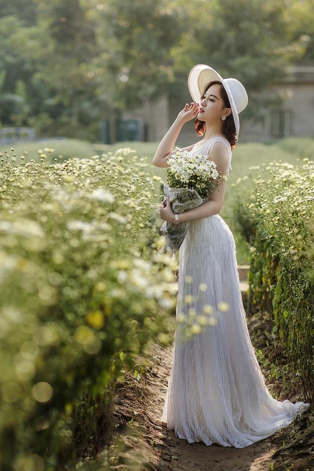 Nữ sinh Quảng Ninh khoe vóc dáng chuẩn với chiều cao tựa người mẫu - 2  Nữ sinh Quảng Ninh khoe vóc dáng chuẩn với chiều cao tựa người mẫu 12 i 9611 1573224188733