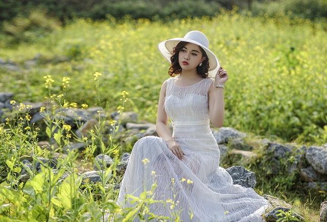 Nữ sinh Quảng Ninh khoe vóc dáng chuẩn với chiều cao tựa người mẫu - 4  Nữ sinh Quảng Ninh khoe vóc dáng chuẩn với chiều cao tựa người mẫu 12 i 9614 1573224188350