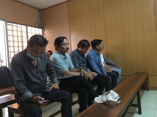 Nghệ Sỹ Hồng Tơ cùng đồng phạm hầu tòa - 1