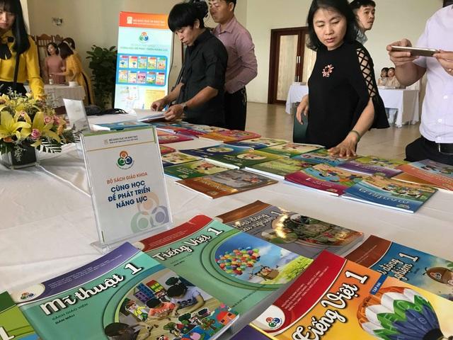 NXB Giáo dục: Sẽ tăng giá sách giáo khoa của chương trình phổ thông mới - 1