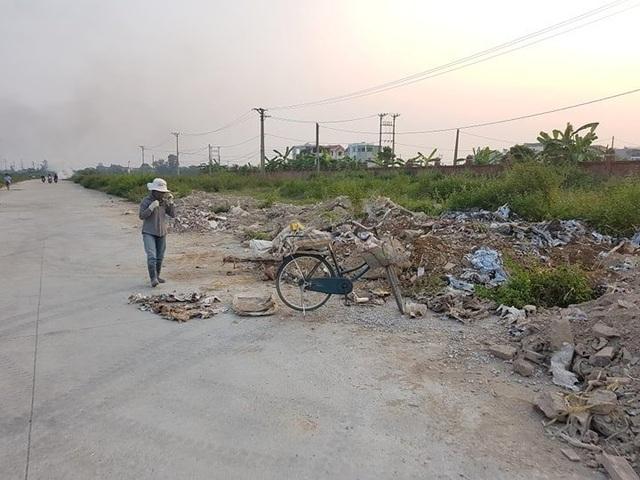 """Thành phố Ninh Bình tràn ngập rác, bị """"biến"""" thành bãi chứa chất thải khổng lồ! - 16"""