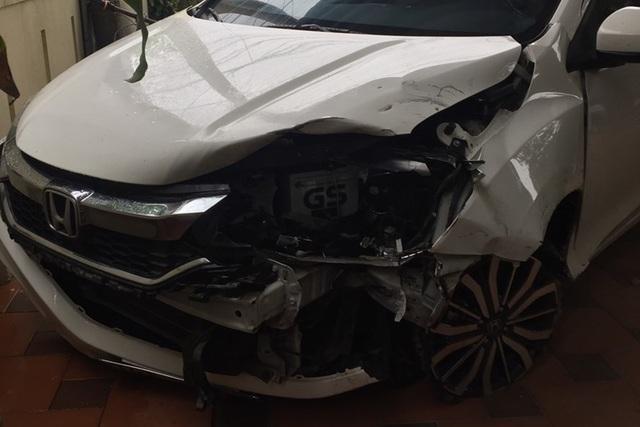 Bác sĩ lái ô tô bỏ chạy sau khi tông 2 phụ nữ trọng thương - 1