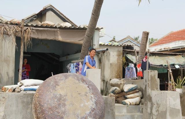 Triều cường, sạt lở uy hiếp hàng chục hộ dân tại Phú Yên - 2