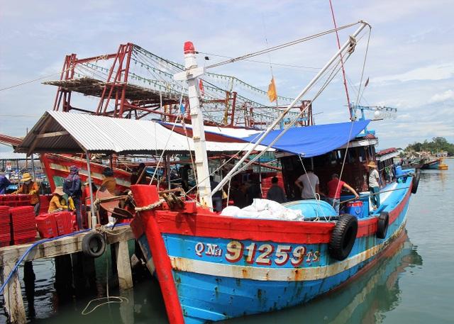 3 tàu cá ngư dân Quảng Nam đề nghị vào Philippin trú bão