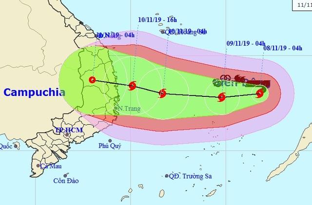 Bão Nakri giật cấp 14 đang hướng vào đất liền Việt Nam - 1