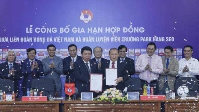 Báo Thái đưa tin lương mới của HLV Park Hang Seo ở mức 1,2 triệu USD/năm - 1
