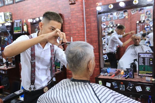 Tiệm cắt tóc 0 đồng cho người nghèo của chàng trai 9X - 3