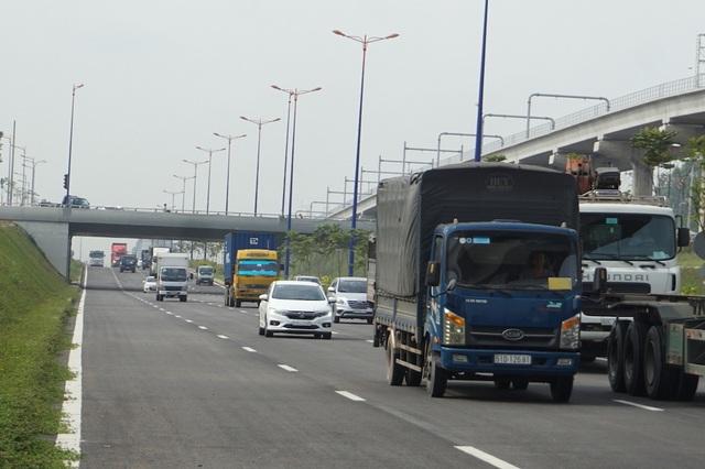 Thông xe nút giao 14 làn xe, giải cứu điểm nóng cửa ngõ Đông Sài Gòn - 2