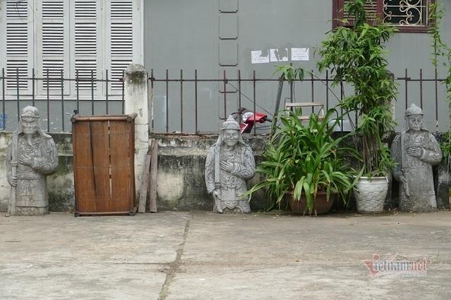 Chục gia đình sống trong ngôi mộ cổ, chuyện rợn tóc gáy giữa lòng thủ đô - 5