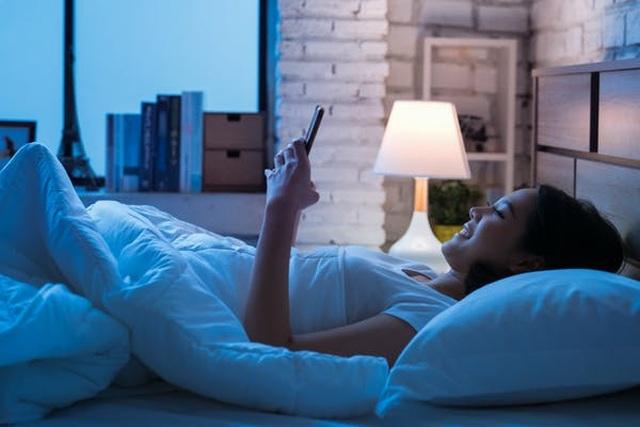 Làm thế nào để giải quyết stress do dùng điện thoại thông minh? - 2