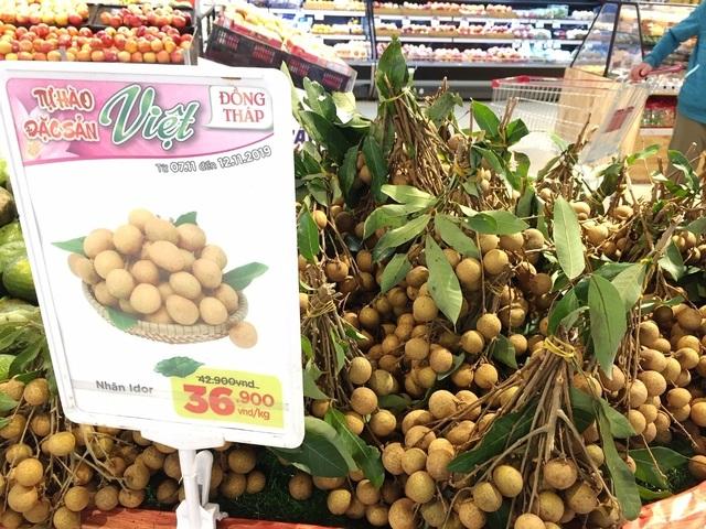 Hủ tiếu, cá khô, xoài, mận Đồng Tháp rầm rộ vào siêu thị, giá rẻ bất ngờ - 4
