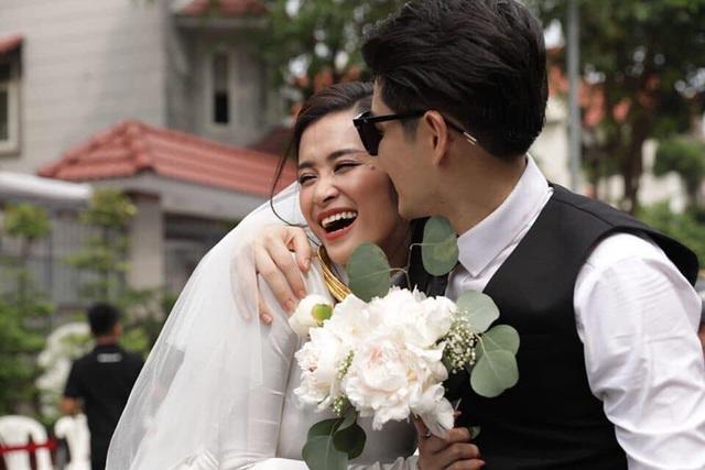Đông Nhi - Ông Cao Thắng hôn nhau say đắm trong lễ vu quy - 18