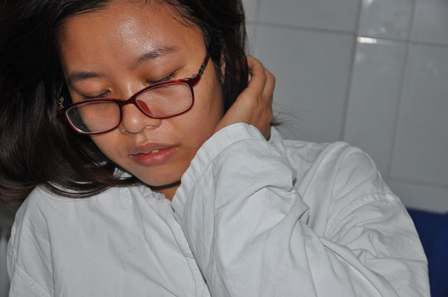 Cô gái trẻ bị ô tô nghiến đứt chân đã trở thành nữ bác sĩ - 2