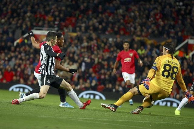 Nhìn lại chiến thắng rực rỡ của Man Utd trước Partizan ở Old Trafford - 10