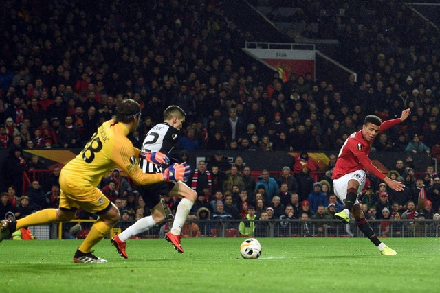 Nhìn lại chiến thắng rực rỡ của Man Utd trước Partizan ở Old Trafford - 8