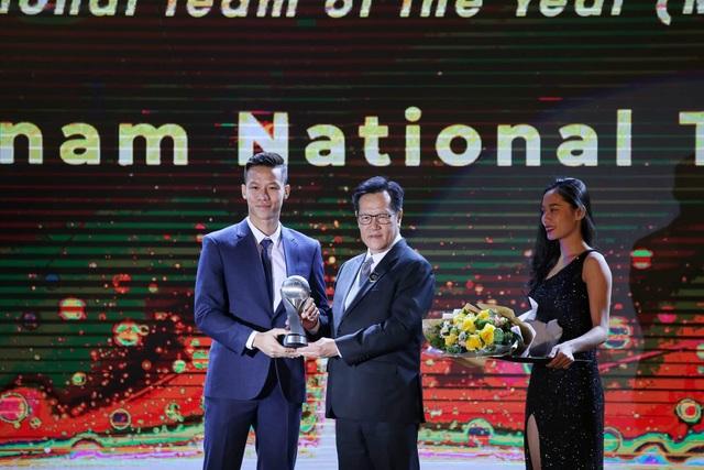 Liên đoàn bóng đá Đông Nam Á vinh danh HLV Park Hang Seo và Quang Hải - 3