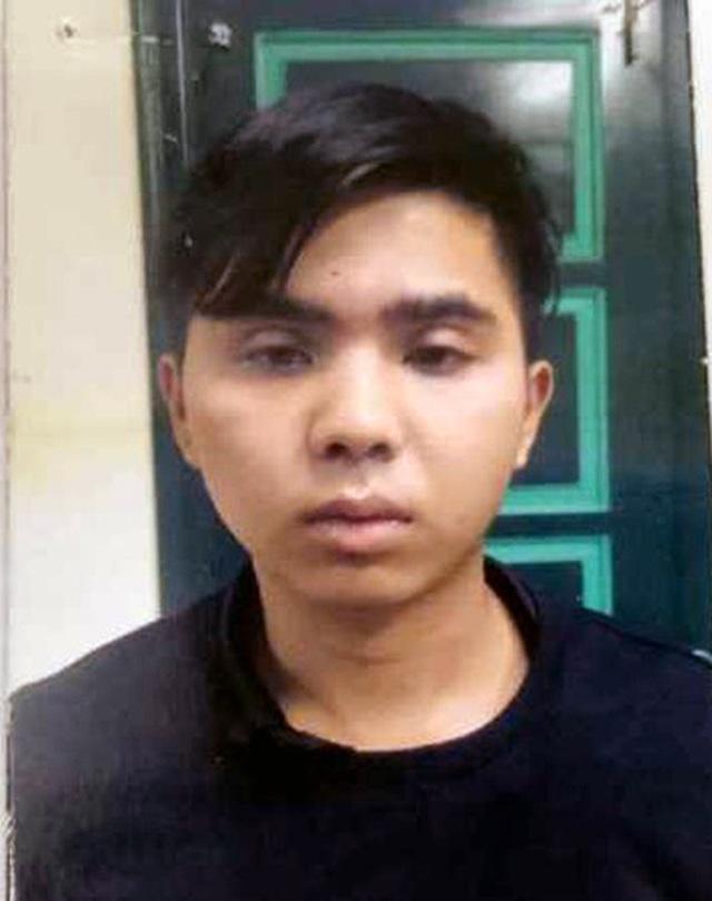 """Hà Nội: Cô gái trẻ bị phượt thủ dọa tung ảnh """"nóng"""" để cưỡng dâm - 1"""