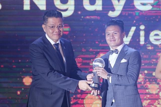 Liên đoàn bóng đá Đông Nam Á vinh danh HLV Park Hang Seo và Quang Hải - 2