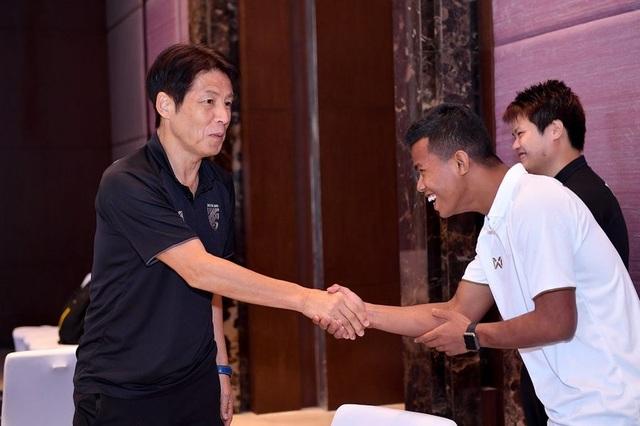 Đội tuyển Thái Lan tập trung trở lại, chuẩn bị sang Malaysia - 1