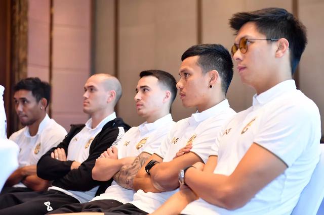 Đội tuyển Thái Lan tập trung trở lại, chuẩn bị sang Malaysia - 2