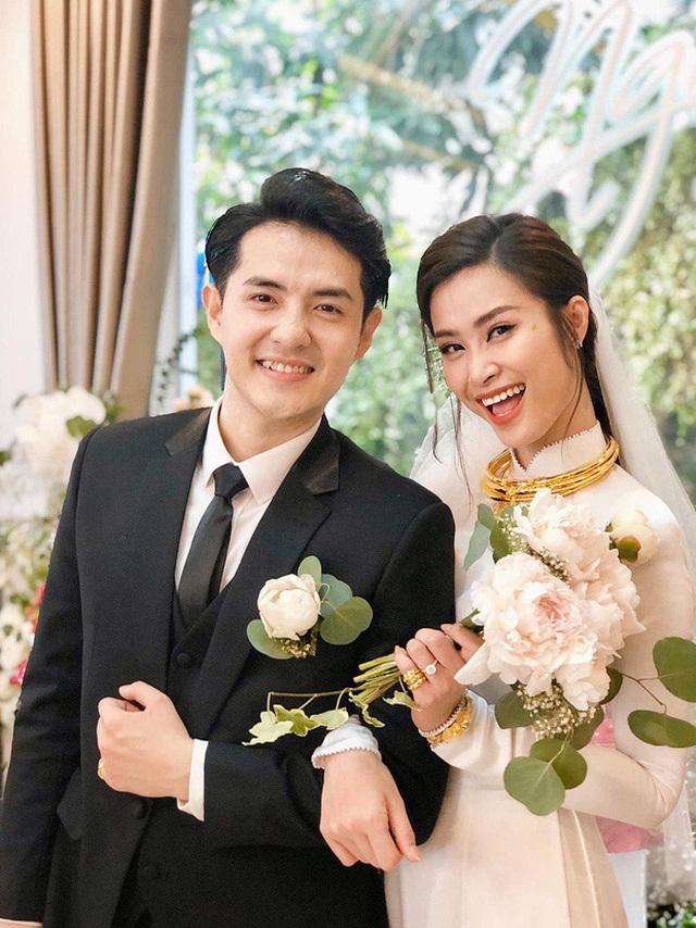 Những quy định đặc biệt trong đám cưới của sao Việt - 1