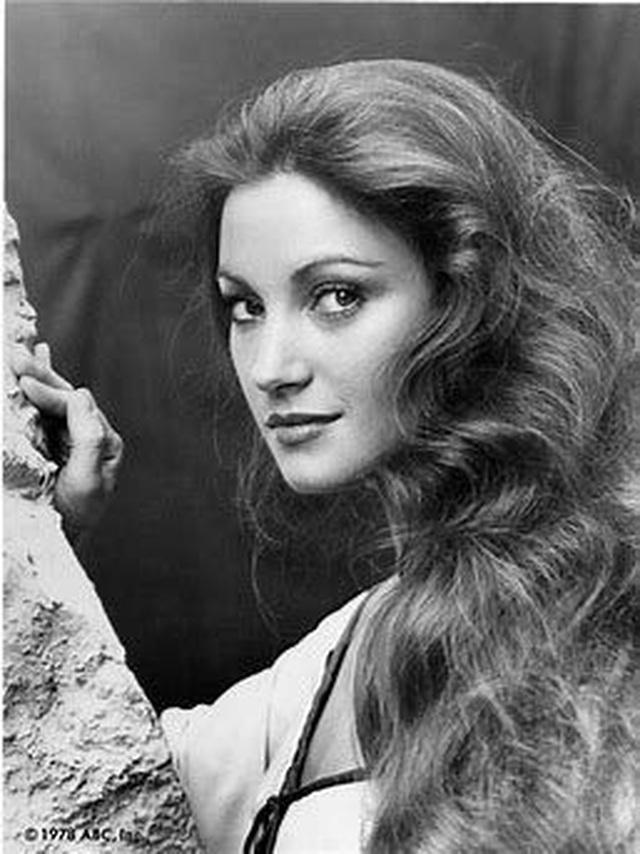 Jane Seymour trẻ đẹp đáng kinh ngạc ở tuổi 68 - 8