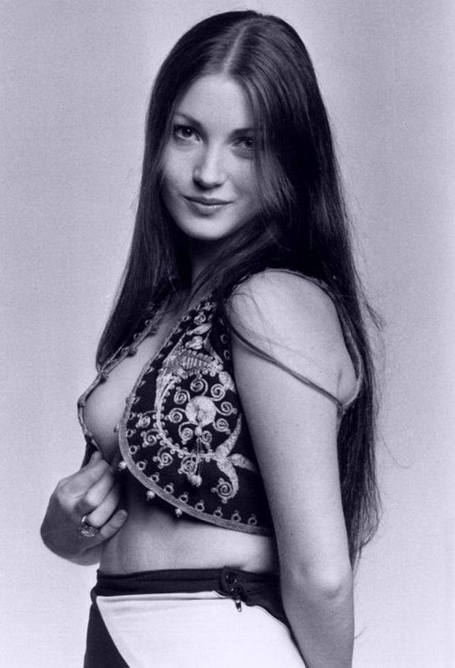 Jane Seymour trẻ đẹp đáng kinh ngạc ở tuổi 68 - 6