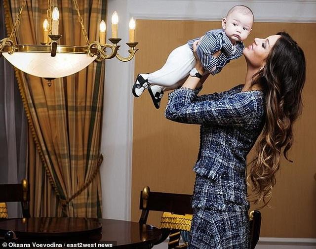 Rộ tin cựu vương Malaysia gợi ý chi 250.000 USD để cắt liên lạc với người đẹp Nga - 2
